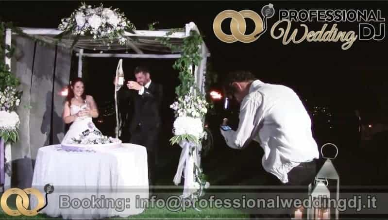 Music For Cutting The Cake Here S How To Make It Even Sweeter Wedding Dj For Wedding In Italy Professionalweddingdj C